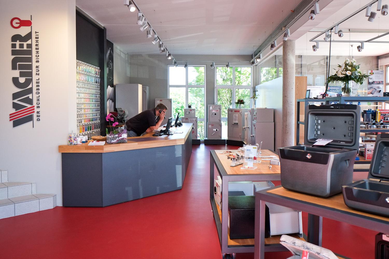8a5ba0cabe9c68 Bitte besuchen Sie auch unseren umfangreichen Online-SHOP unter  www.wagner-sicherheit.de - über 4.900 Produkte zum Sonderpreis